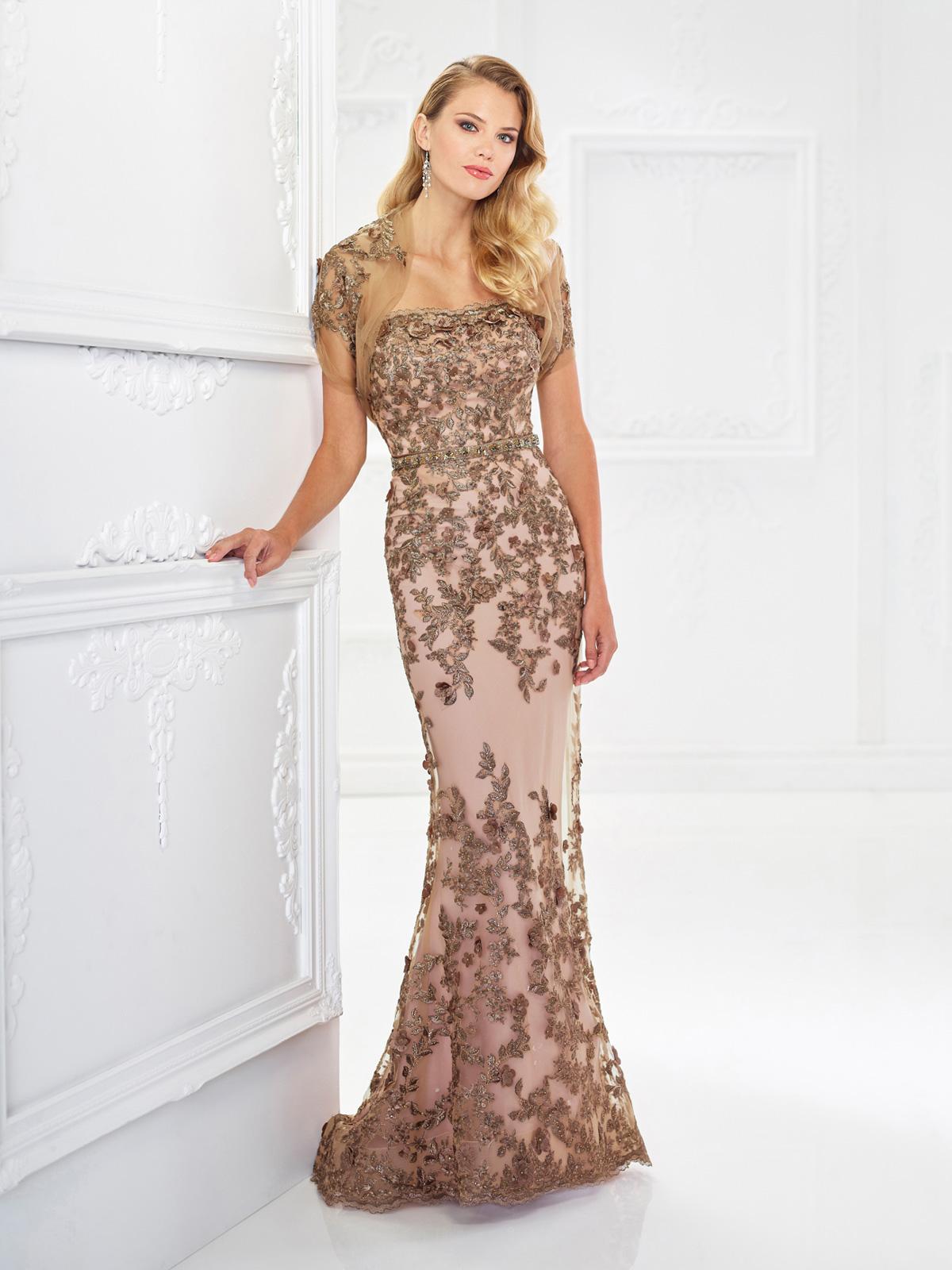 Vestido de Festa tomara que caia lindo todo confeccionado em renda rebordada com pedrarias, corte reto e detalhe de bolero opcional.